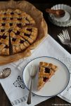 Eine klassische Linzer Torte ist immer eine gute Wahl. Der Kuchen hält sich super für ein paar Tage.