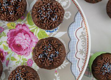 Kokoscupcakes mit Schokoladenkern