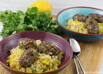 Teryiakibällchen mit Bulgur-Paprika-Salat
