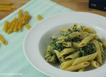 Pasta mit cremiger Blauschimmel-Spinat-Soße