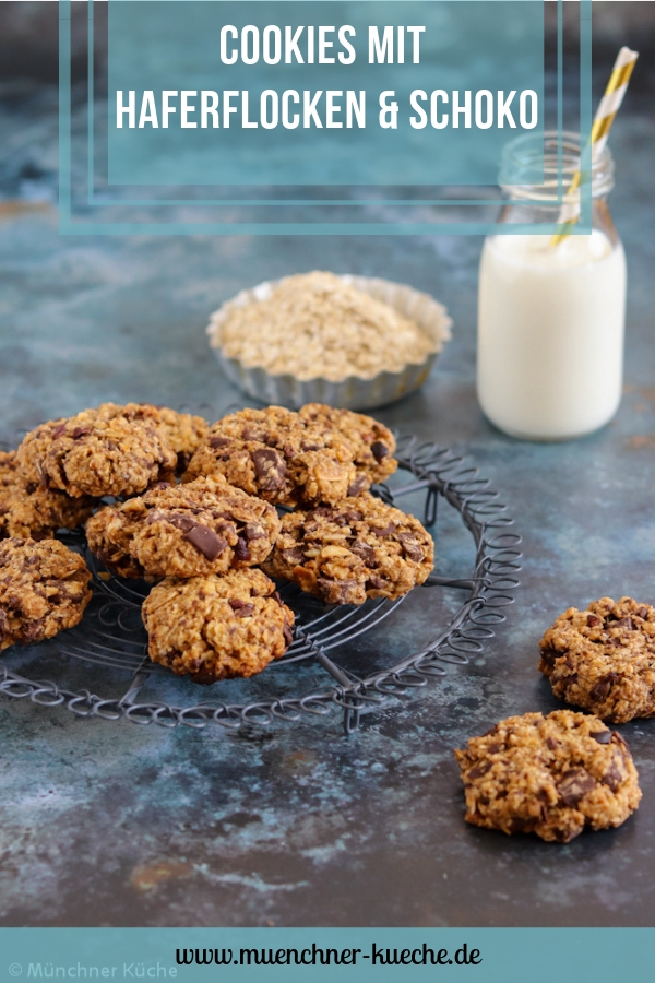 Cookies mit Haferflocken, Schokolade und Kokosnuss. | www.muenchner-kueche.de #cookies #chewy #haferflocken #schokolade #kekse