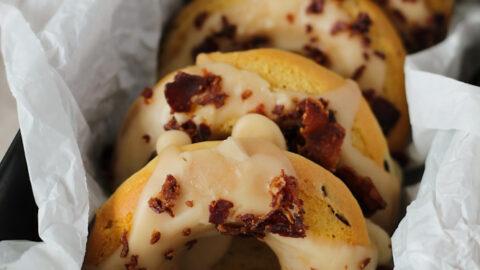 Donuts mit Ahornsirup und Speck - münchner-küche