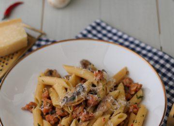 Gegen eine Portion Pasta mit Salsiccia und Pilzen hätte ich nichts einzuwenden.