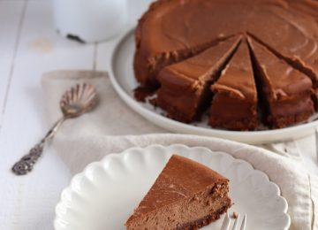 Ein wahr gewordener Schokoladen-Käsekuchen Traum. Schön locker mit einem köstlichen Keksboden.
