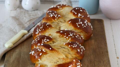 Hefezopf mit Hagelzucker - münchner-küche