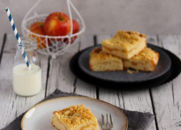Mit selber gemachtem Apfelmus schmeckt der Apfelkuchen mit Streuseln gleich viel besser.