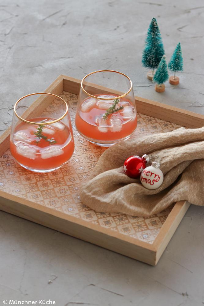 Rosa Weihnachtspunsch.
