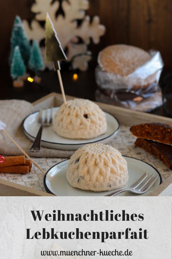 Weihnachtliches Lebkuchenparfait als Dessert. | www.muenchner-kueche.de #dessert #parfait #lebkuchen #weihnachten #halbgefroren