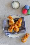 Süße Hefehasen zu Ostern.