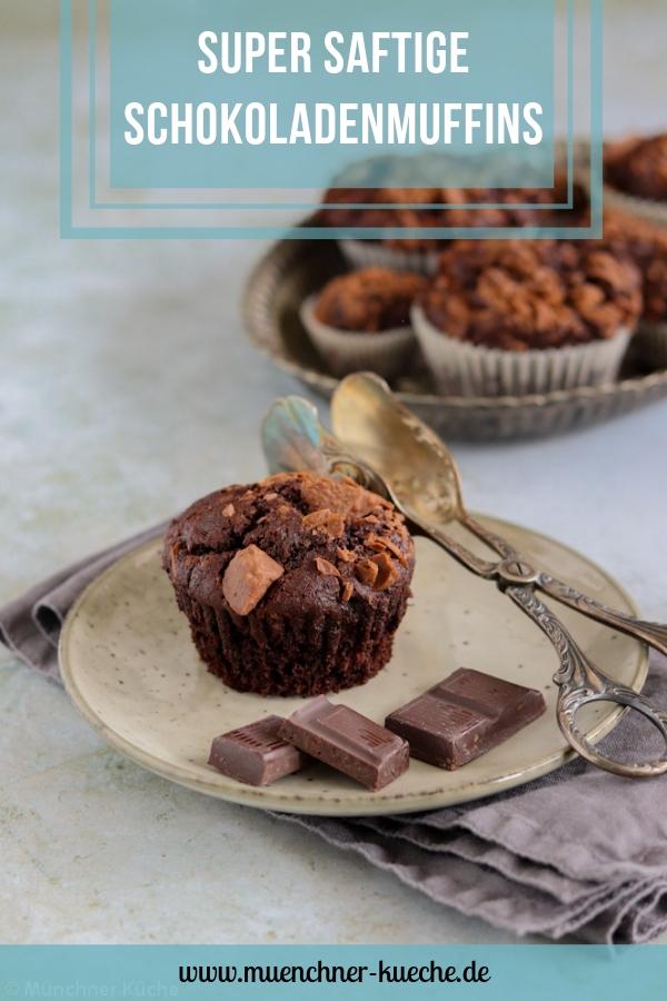 Saftige Schokoladenmuffins. | www.muenchner-kueche.de #schokoladenmuffins #schokomuffins #schokolade #muffins #kuchen #gebacken
