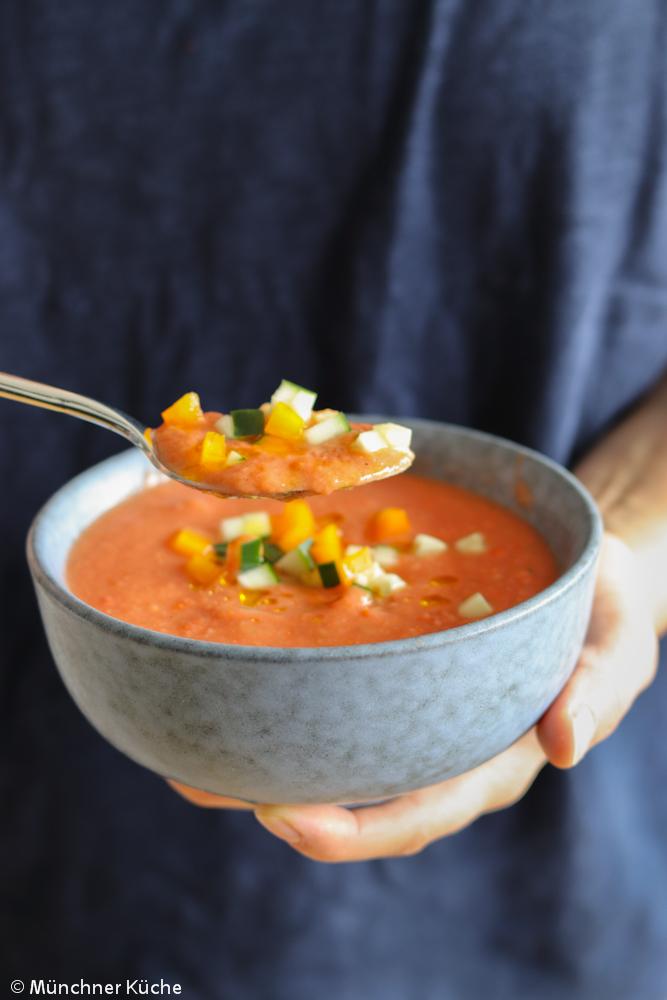 Bei hohen Temperaturen ein Genuss - andalusische Gazpacho.