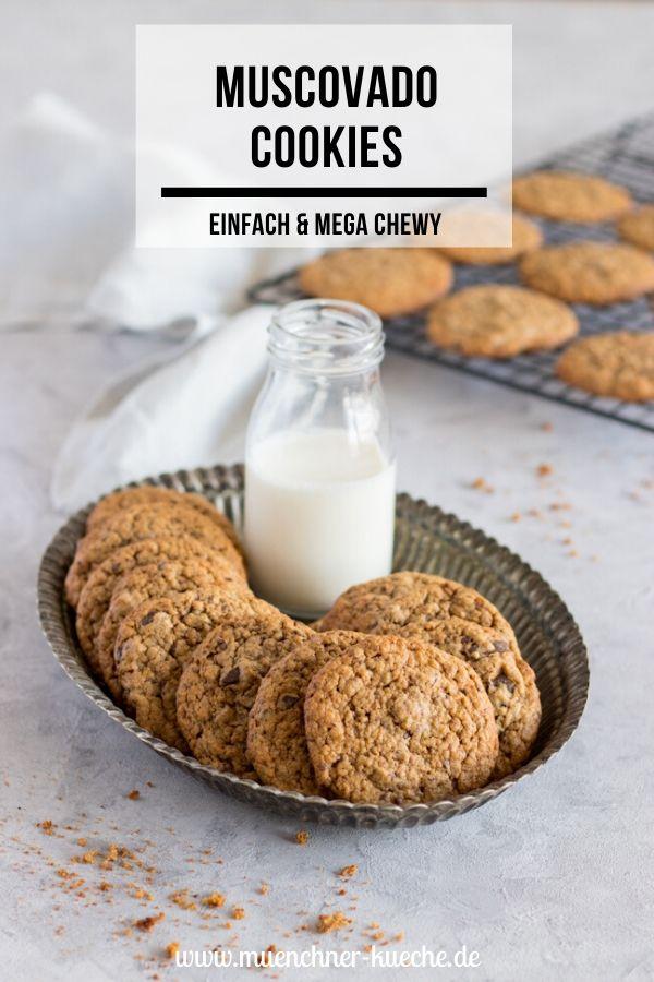 Rezept für Muscovado Cookies. Schön einfach und wunderbar chewy. | www.muenchner-kueche.de #cookies #chewy #muscovado #kekse #backen #annajones #münchnerküche