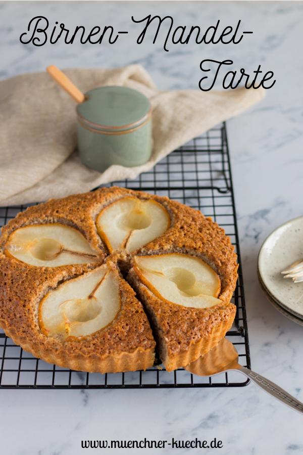 Ein tolles Rezept für Birnen-Mandel-Tarte mit Mürbteig. | www.muenchner-kueche.de #tarte #birne #mandeln #mürbteig #backen #herbst #münchnerküche